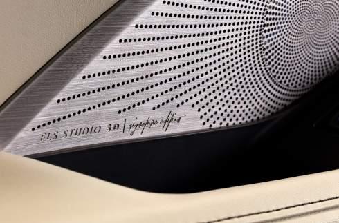 Acura показала новый MDX