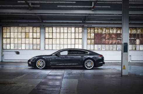 Porsche раскрыла характеристики самой мощной Panamera