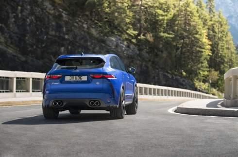 Jaguar F-Pace SVR обновился и стал быстрее