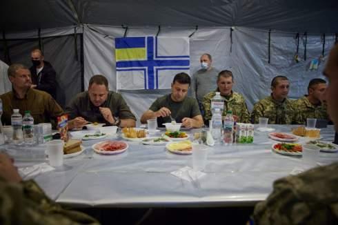 От оружия до недостатка контроля: Четыре причины, почему Украину пока не берут в НАТО
