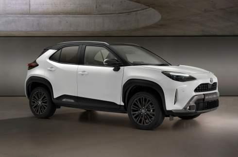 Toyota представила внедорожную версию Yaris Cross