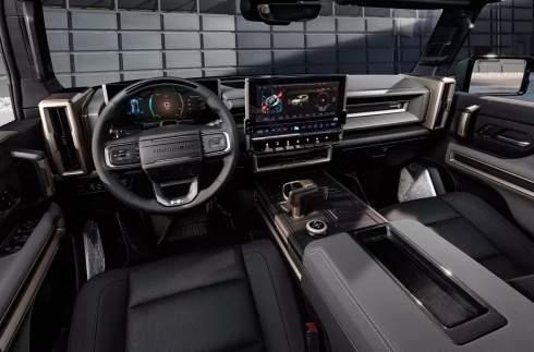 Культовый Hummer возрожден в виде внедорожника с гигантским клиренсом