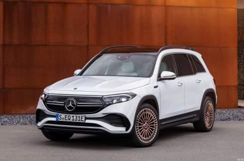 Mercedes-Benz показал 7-местный электрический кроссовер EQB