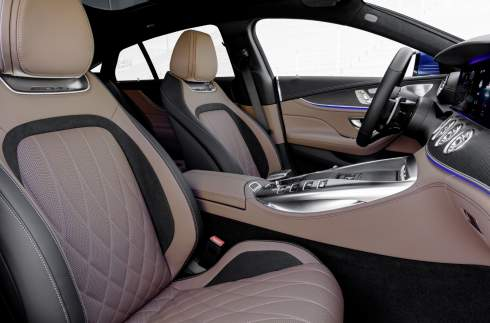 Спорткару Mercedes-AMG GT 4-Door Coupe поменяли оснащение и подвеску