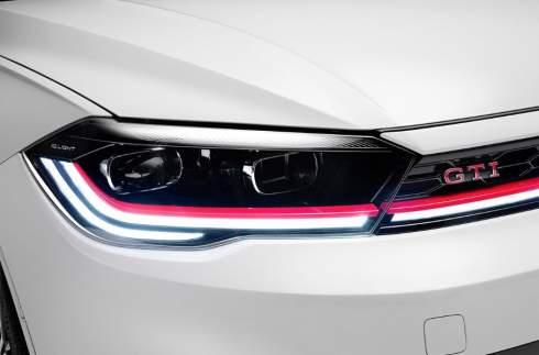 Мощный мотор и полуавтопилот: представлен обновленный Volkswagen Polo GTI