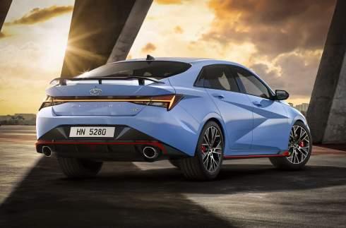 280 сил и 5,3 секунды до «сотни»: Hyundai представила «горячую» Elantra N