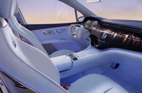 Представлен электрокроссовер Mercedes-Maybach EQS